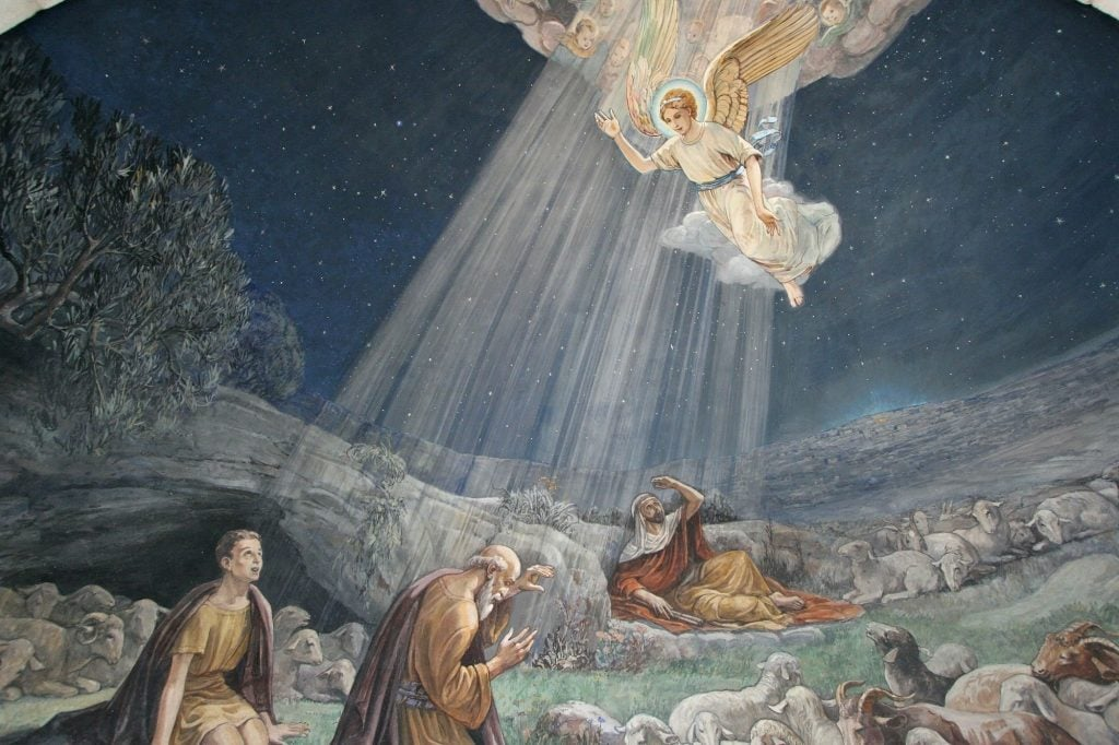 Painting of an Angel of the Lord visiting the shepherds and informed them of Jesus' birth
